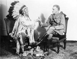 Il generale Diaz, dopo la guerra, ricevette gli onori della tribù dei Crow